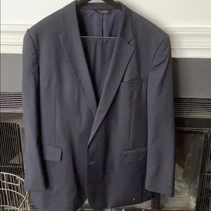Jos A Bank traveler collection suit